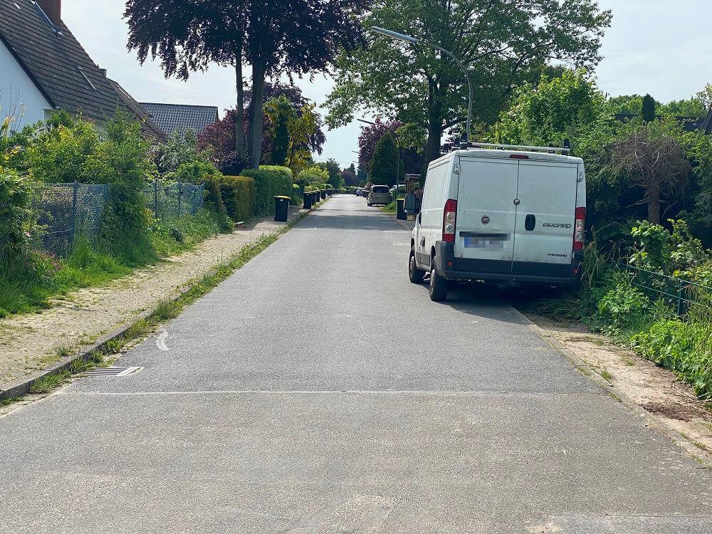 Mülltonnen Abholung - Die Mülltonnen müssen gut zugänglich am Straßenrand stehen, damit sie durch die Müllabfuhr geleert werden können