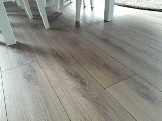 Fußbodenbelag und Sockelleisten im Neubau - Tipps, Erfahrungen und jede Menge Hintergrundinformationen