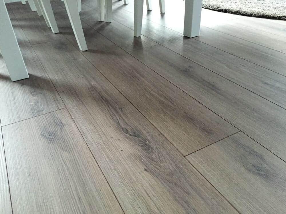 Die Auswahl des richtigen Fußboden und der Fußleisten