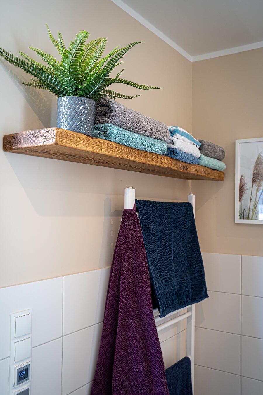 Badezimmerplanung Neubau - Wir haben uns für relativ wenig Fliesen entschieden und nur dort gefliest, wo es wirklich sein muss