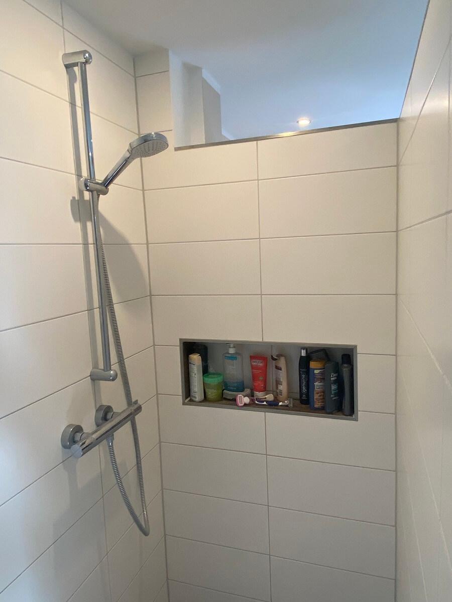 Wandnische Dusche - Wir haben eine Ablage in der Dusche einbauen lassen und lieben sie