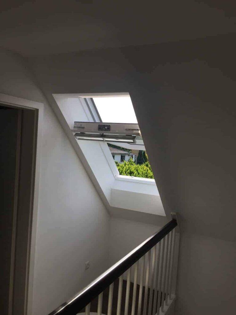 Dachfenster geöffnet - Schwingöffnung