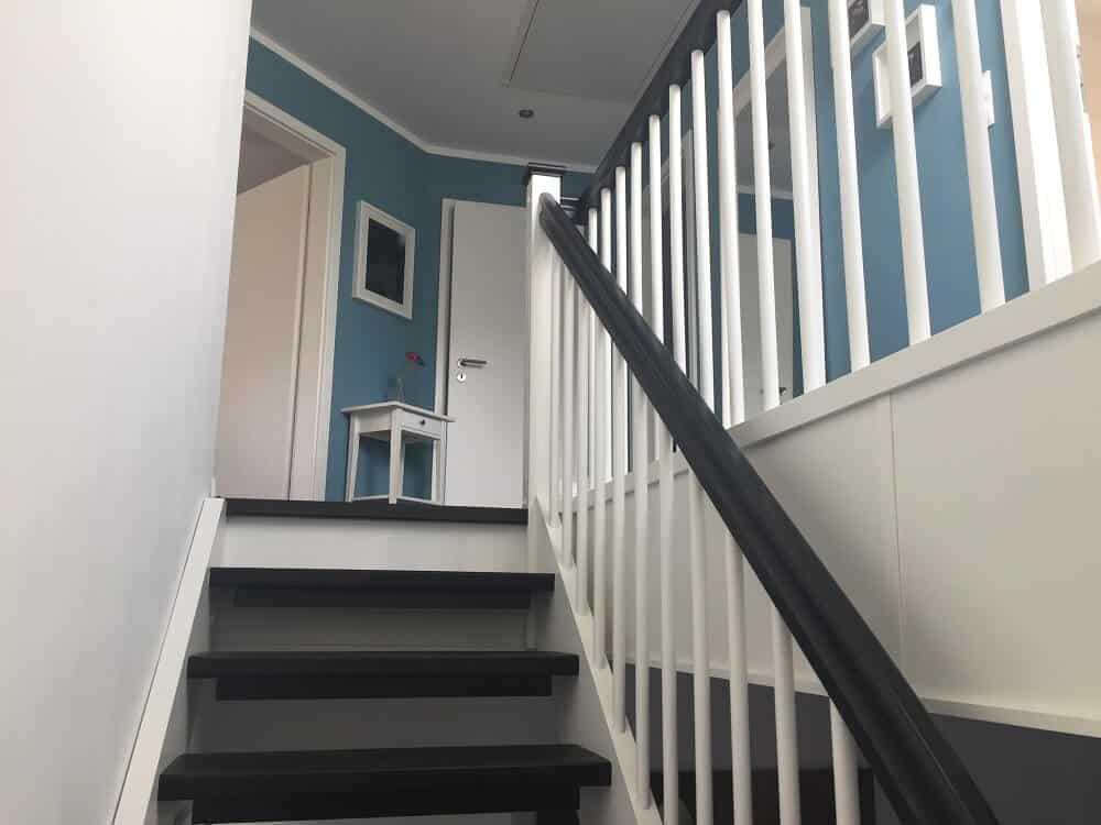 Wangentreppe auf dem Weg ins Obergeschoss