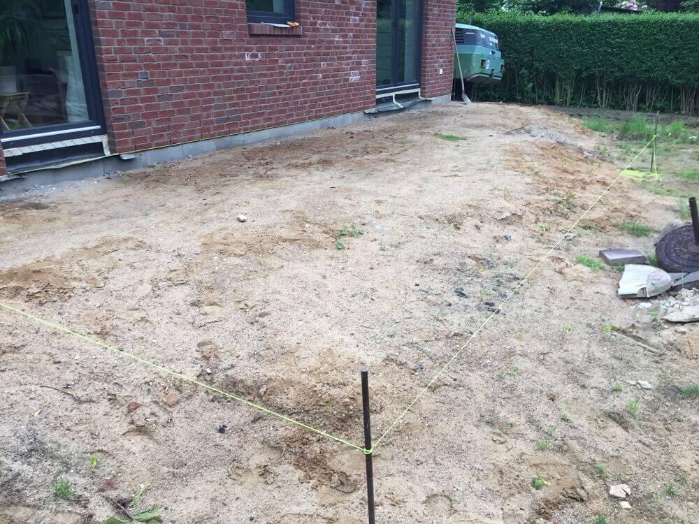 Wir bekommen einen Garten - Endlich Terrasse, Mutterboden und Rasen