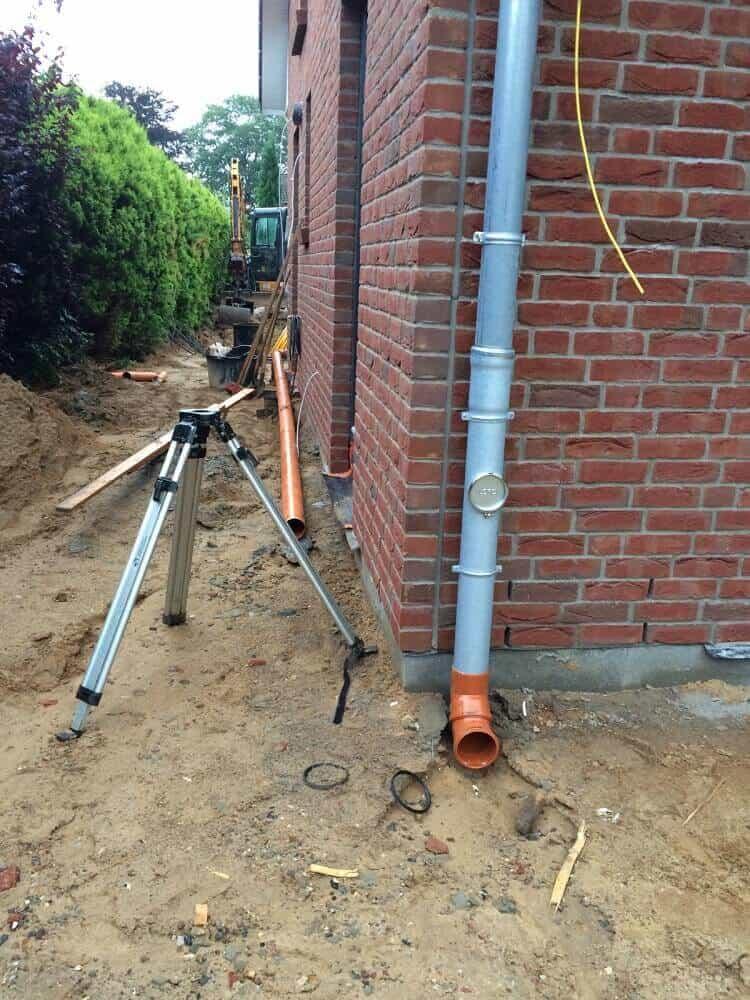 Dachentwässerung über die Regenwasserleitung
