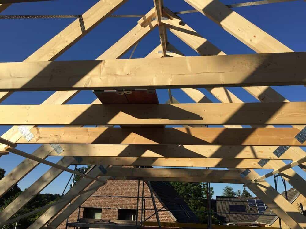 Der Dachstuhl ist fast abgeschlossen