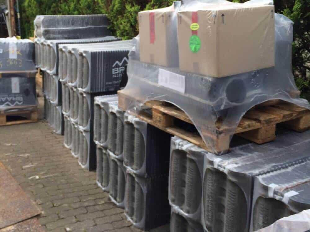 Die Harzer Dachpfannen in anthrazit wurden geliefert