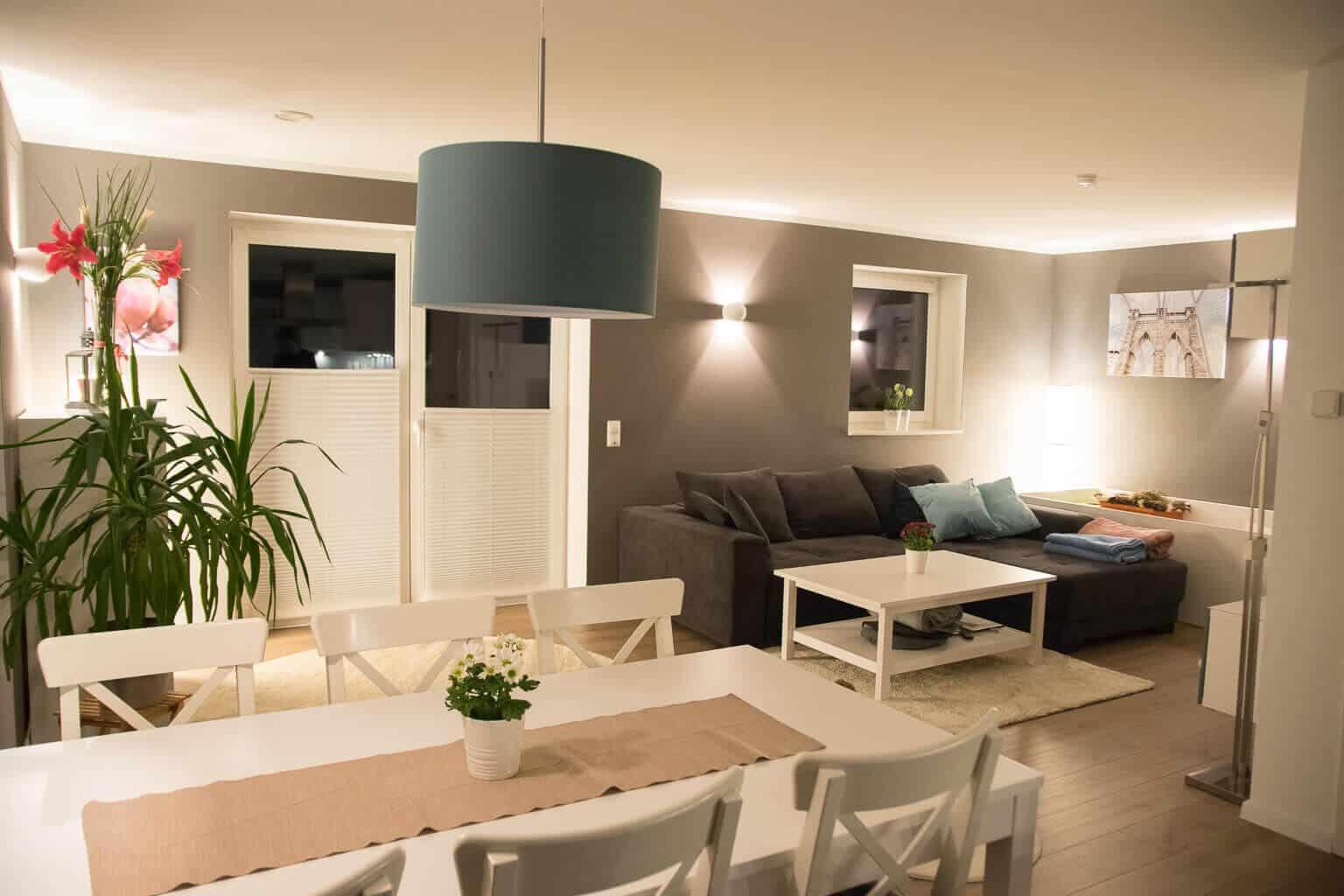 wohnzimmer streichen nach zwei jahren lust auf was neues. Black Bedroom Furniture Sets. Home Design Ideas