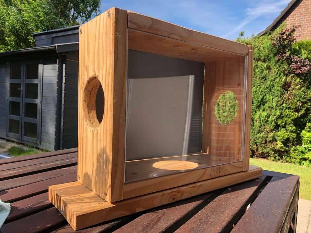 Das Eichhörnchenfutterhaus ist fertig - Bauanleitung Futterkasten