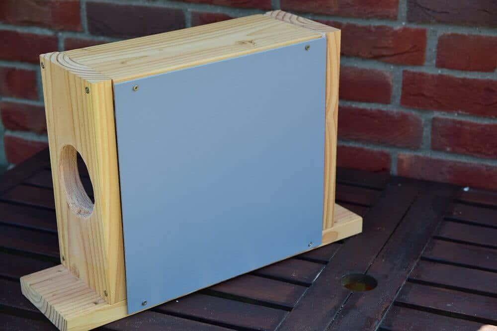 pvc allzweckplatte als rückwand für unseren eichhörnchen futterkasten