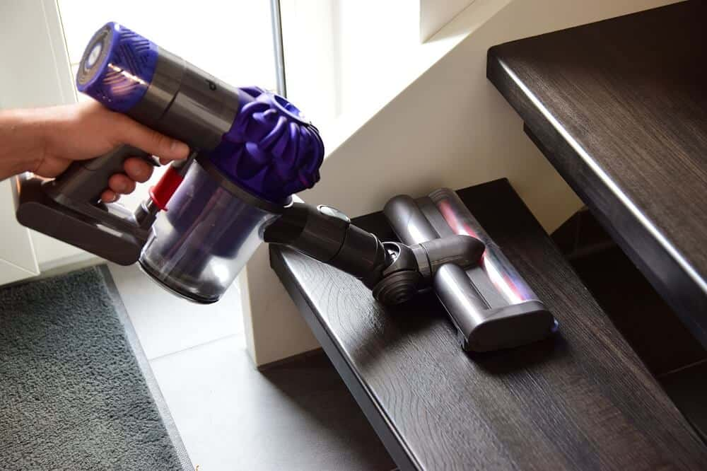 dyson staubsauger v6 animalpro excellent dyson v. Black Bedroom Furniture Sets. Home Design Ideas