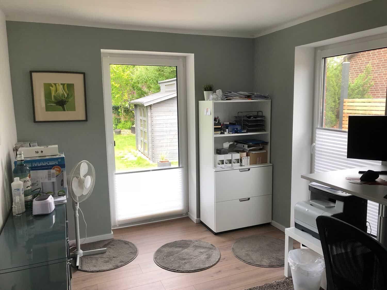 homeoffice richtig einrichten und ausstatten worauf achten. Black Bedroom Furniture Sets. Home Design Ideas