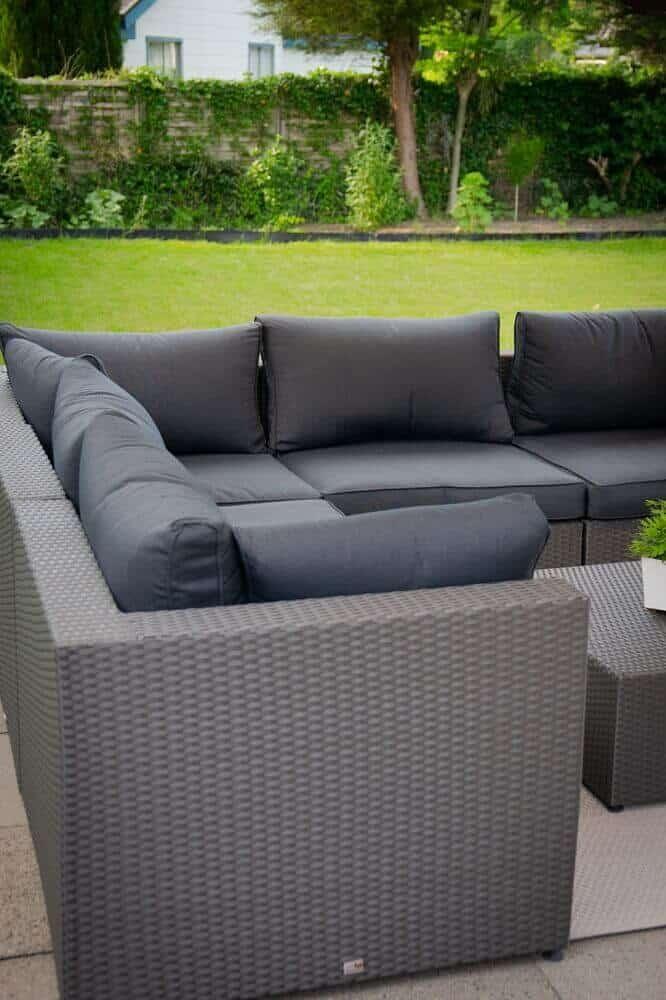 Die Loungemöbel Outdoor sehen super aus und sind super bequem - vor allem für schwangere Frauen sehr zu empfehlen!