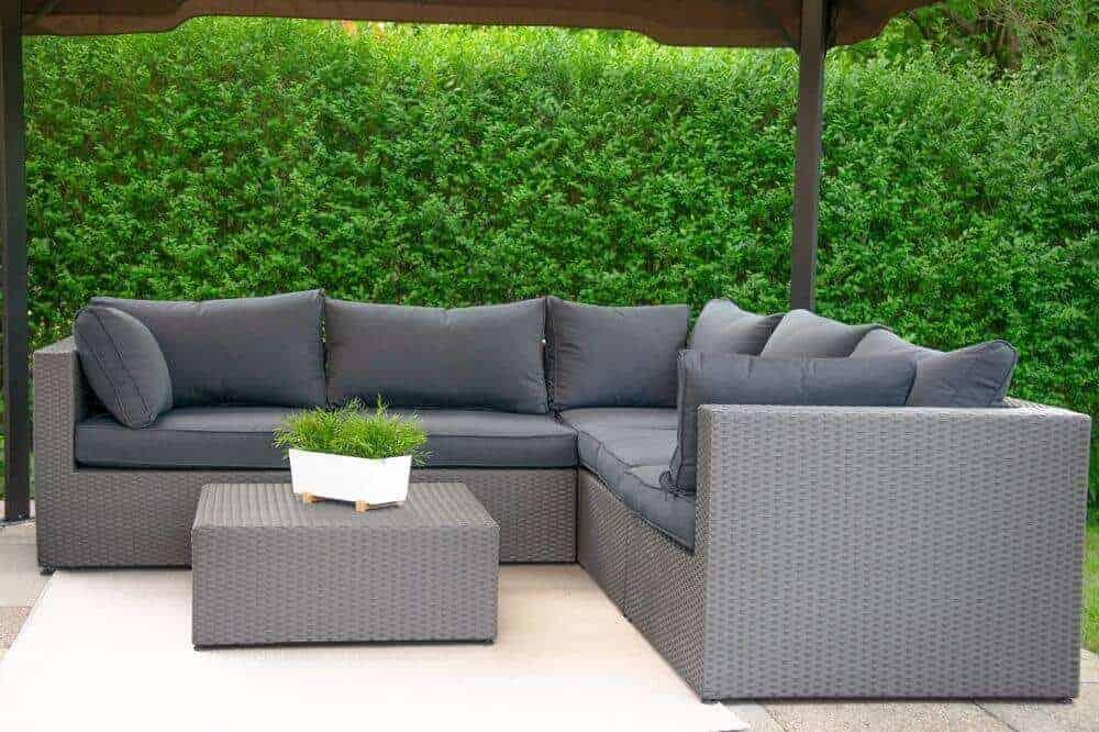 Terrassenmöbel Lounge mit Outdoorteppich