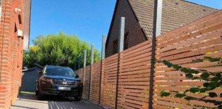 Gartenzaun ist fertig und kann zum Carport erweitert werden