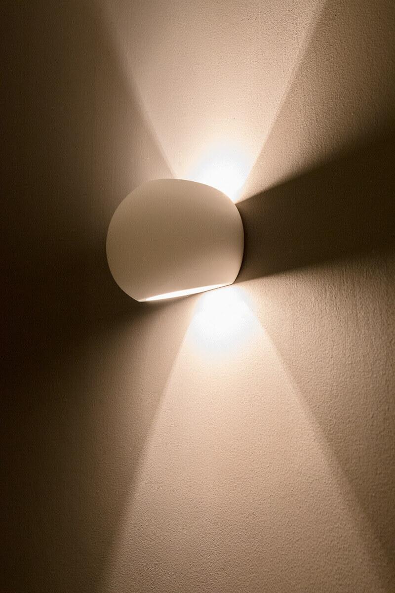 indirekte Beleuchtung mit dimmbaren LEDs helfen beim Geldsparen