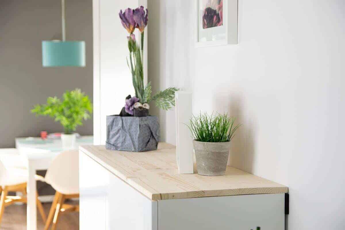 IKEA Hack für mehr Stauraum im Flur: Aus Küchenschrank wird ...