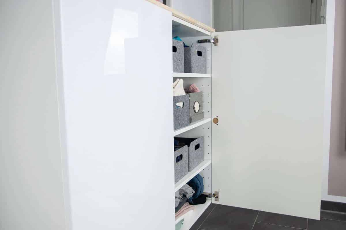 Die METOD Wandschränke haben deutlich mehr Stauraum als gewöhnliche Sideboards