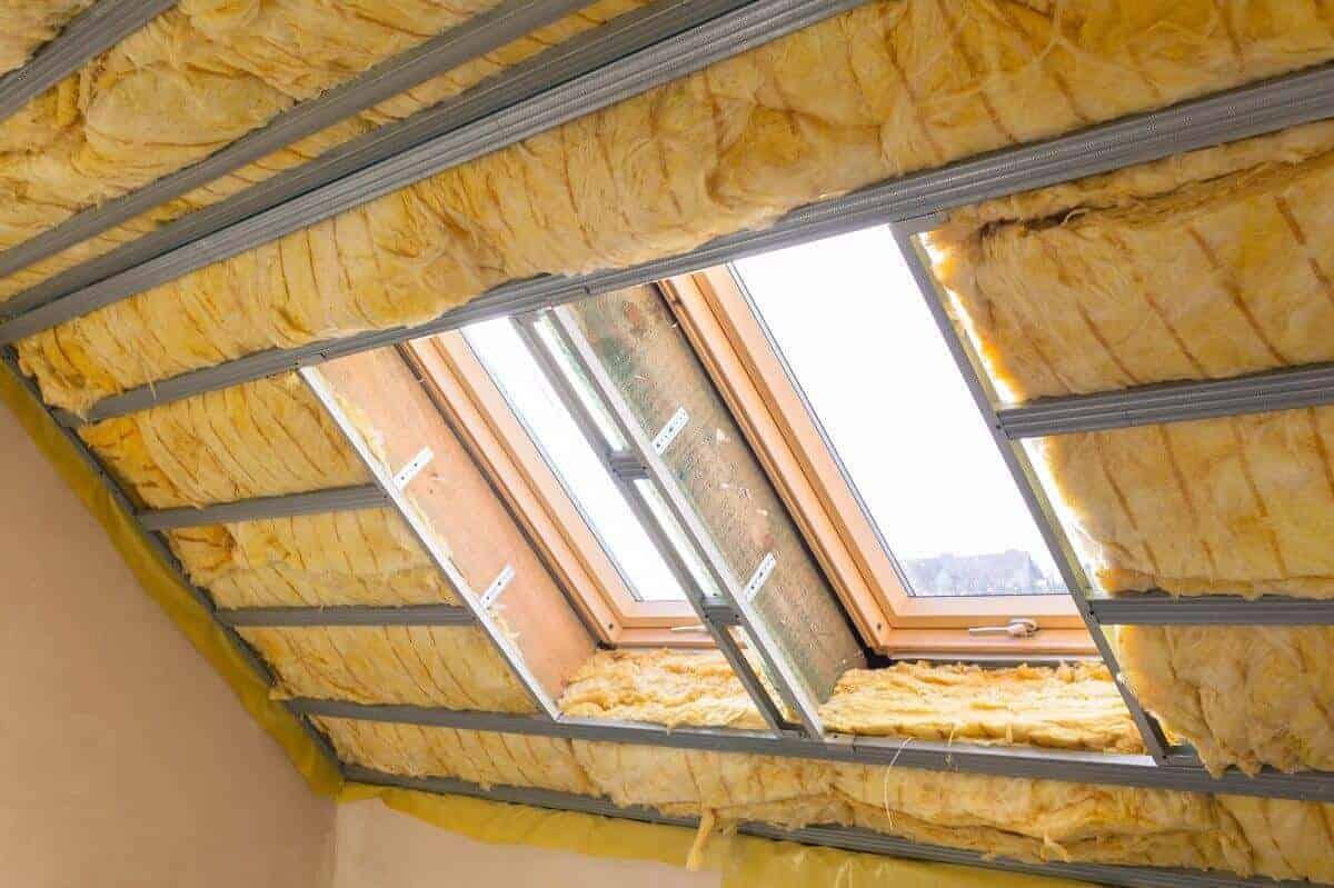 Ein gut gedämmtes Dach kann bis zu 20% Heizkosten einsparen - Die Kosten hierfür armotisieren sich häufig nach 10 bis 20 Jahren