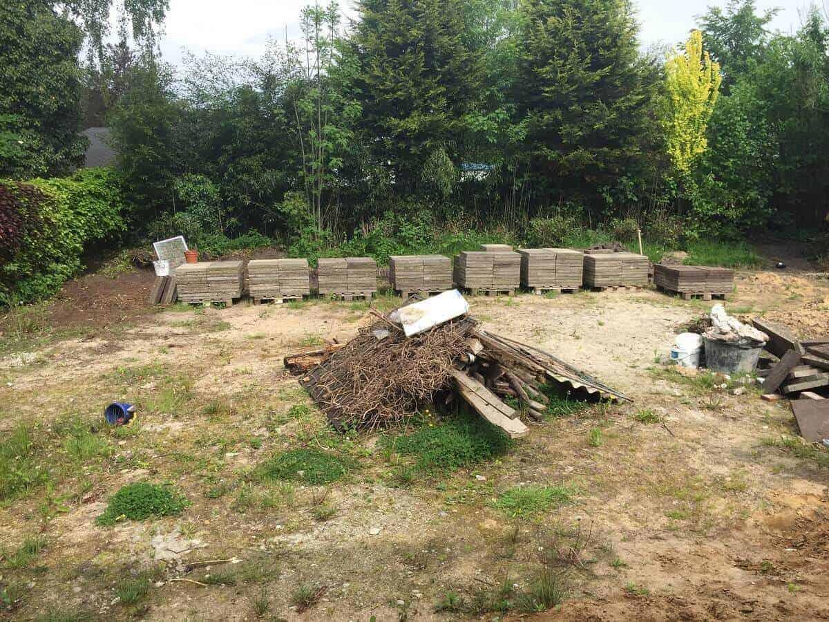 Der Garten war eine einzige Baustelle mit ganz viel Bambus und Haselnussbäumen