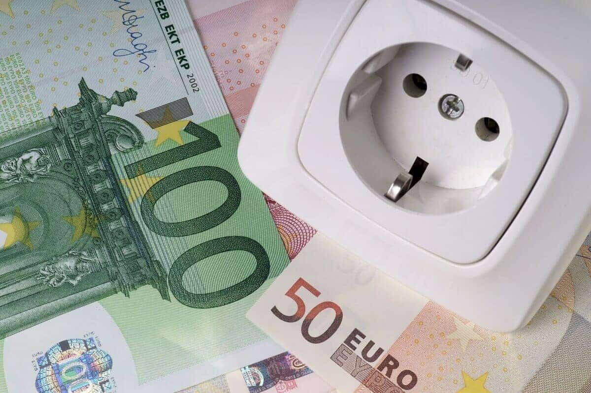Stromanbieterwechsel – 5 wichtige Tipps zum Schutz vor Kostenfallen