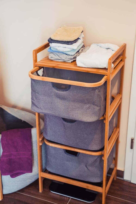 passend zu den badregalen mit wäschekorb haben wir noch ein weiteres regal mit drei fächern aufgestellt