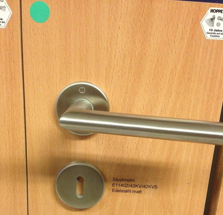 innentüren und griffe sind meist im guten standard inklusive können aber auch ausgetauscht werden