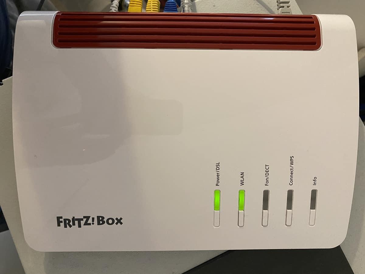 WLAN Mesh Netzwerk aufbauen - Wir haben als Mesh Master eine Fritzbox 7590 verwendet