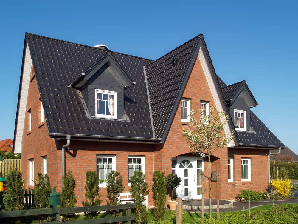 Das moderne Kapitänshaus ist häufig in Norddeutschland anzutreffen, wenn auch mittlerweile oft ohne das typische Reetdach