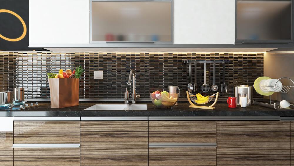 Ein kleiner Fliesenspiegel eignet sich ideal als Wandverkleidung in der Küche
